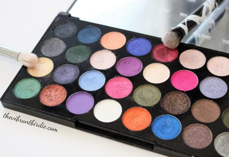 Makeup Revolution Ultra Eyeshadows Eyes Like Angels Palette Review & Swatches